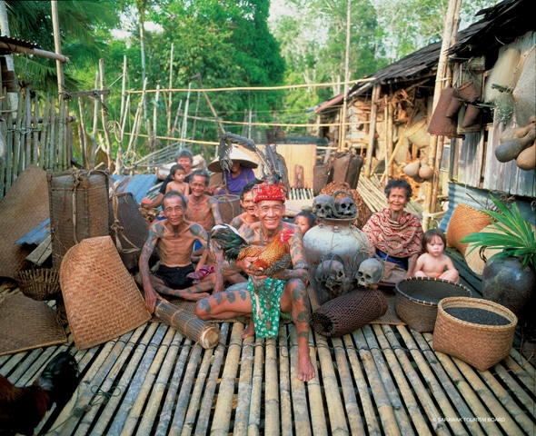 iban culture The iban room your room is designed on the culture and craftsmanship of the iban tribe that live in sarawak, malaysia they are notorious for being 'headhunters.