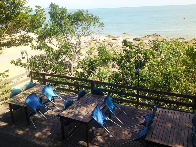 The nice terrace overlooking the sea at The Feeding Tree